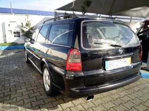 Opel Vectra Caravan Centenario Fevereiro/01 - à venda -
