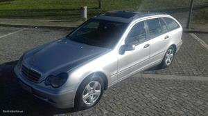 Mercedes-Benz C 220 cdi Agosto/02 - à venda - Ligeiros