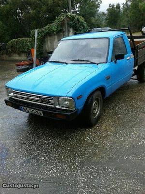 Toyota Hilux hilux Fevereiro/84 - à venda - Pick-up/