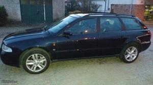 Audi A4 Carrinha Agosto/97 - à venda - Ligeiros