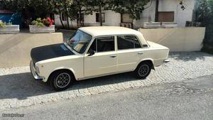 Fiat 124 Special T  Junho/80 - à venda - Ligeiros