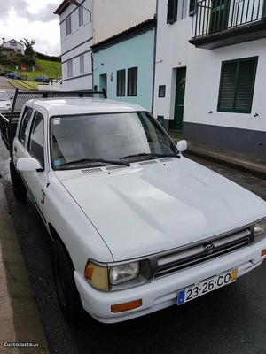 Toyota Hilux Hilux Agosto/93 - à venda - Comerciais / Van,
