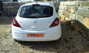 Opel Corsa Black Edition Fevereiro/14 - à venda - Ligeiros