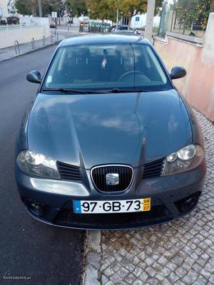 Seat Ibiza V Fresc Agosto/08 - à venda - Ligeiros