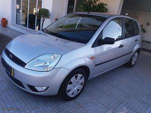 Ford Fiesta 1.25 Ambiente Agosto/03 - à venda - Ligeiros