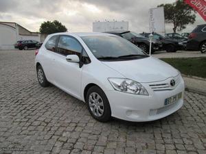 Toyota Auris van 1.4 d-4d active Outubro/11 - à venda -