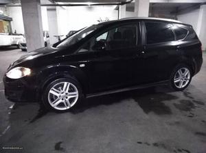Seat Altea xl sport Março/10 - à venda - Monovolume / SUV,