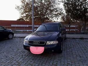 Audi A4 A4 Junho/00 - à venda - Ligeiros Passageiros, Porto
