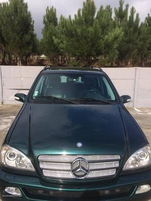 Mercedes-Benz ML 270 Nacional Novembro/01 - à venda -