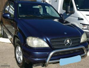 Mercedes-Benz ML 270 ML 270 Maio/00 - à venda - Pick-up/