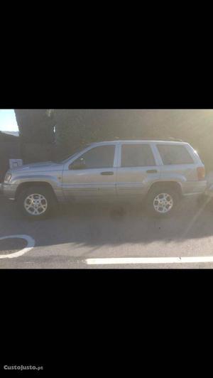 Jeep Grand Cherokee 3.1td laredo Janeiro/01 - à venda -
