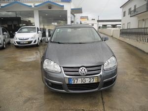 Volkswagen Jetta 1.6 TDi Confortline (105cv) (4p)