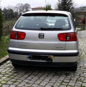 Seat Ibiza Seat ibiza  Março/01 - à venda - Ligeiros