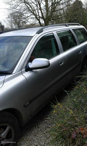 Volvo V70 Carrinha Abril/01 - à venda - Ligeiros