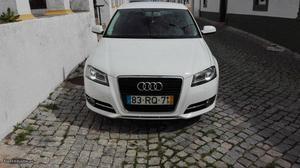 Audi A3 Sportback Março/12 - à venda - Ligeiros