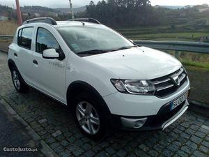 Dacia Sandero Dacia 1.5dci STEPWAY Junho/14 - à venda -