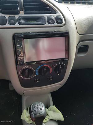Ford Fiesta 125 Fevereiro/99 - à venda - Ligeiros
