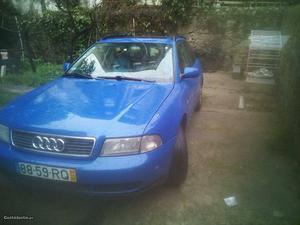 Audi A4 Audi A4 Avant Maio/97 - à venda - Ligeiros