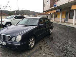 Mercedes-Benz E 220 elegance cdi Outubro/04 - à venda -
