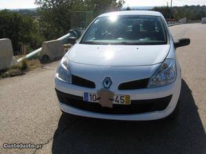 Renault Clio DIESEL 5 LUGARES AC Julho/06 - à venda -