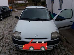 Renault Clio  dci Abril/01 - à venda - Ligeiros