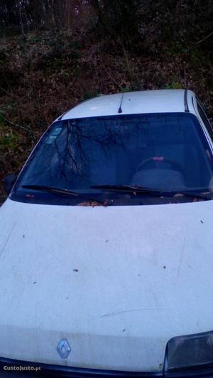 Renault Clio Renault Clio  Outubro/92 - à venda -
