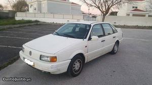 VW Passat CL 1,6 TD Novembro/90 - à venda - Ligeiros
