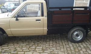 Toyota Hilux LN56L-MRW3 Janeiro/87 - à venda - Pick-up/