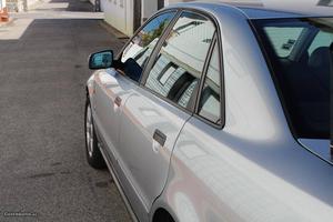 Audi A4 1.8 Gasolina Maio/96 - à venda - Ligeiros