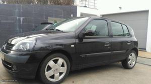 Renault Clio privilège Fevereiro/02 - à venda - Ligeiros
