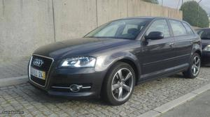 Audi A3 Sport S-tronic 170cv Março/11 - à venda - Ligeiros