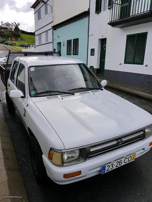 Toyota Hilux Hilux Agosto/94 - à venda - Ligeiros