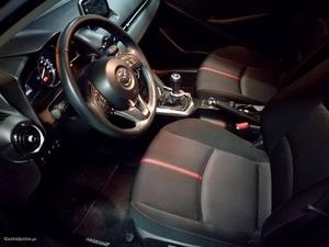 Mazda 2 1.5 skyactive navi Maio/15 - à venda - Ligeiros