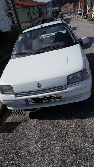 Renault Clio Renault Clio Março/93 - à venda - Ligeiros