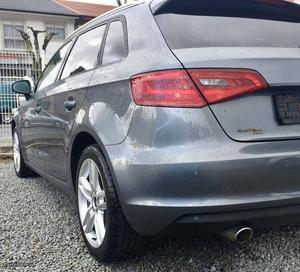 Audi A3 sportback 1.6 Fevereiro/14 - à venda - Ligeiros