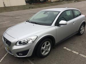Volvo C30 kinetic Abril/12 - à venda - Ligeiros