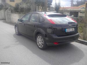 Ford Focus Focus Titanium Março/06 - à venda - Ligeiros