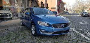 Volvo V D2 Momentum Eco Powershift (115cv) (5p)