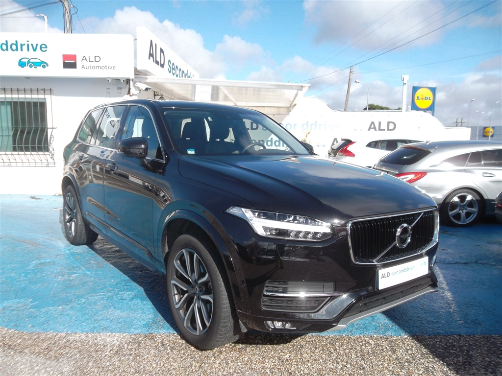 Volvo XC D4 MOMENTUM 7SEATS GEARTRONIC