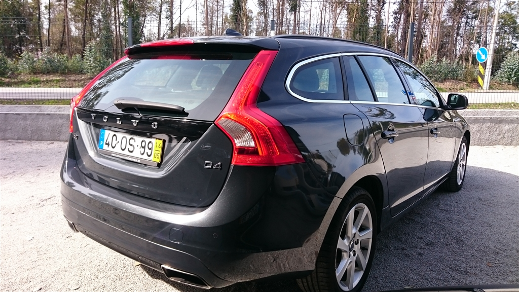 Volvo V D4 Momentum (181cv) (5p)