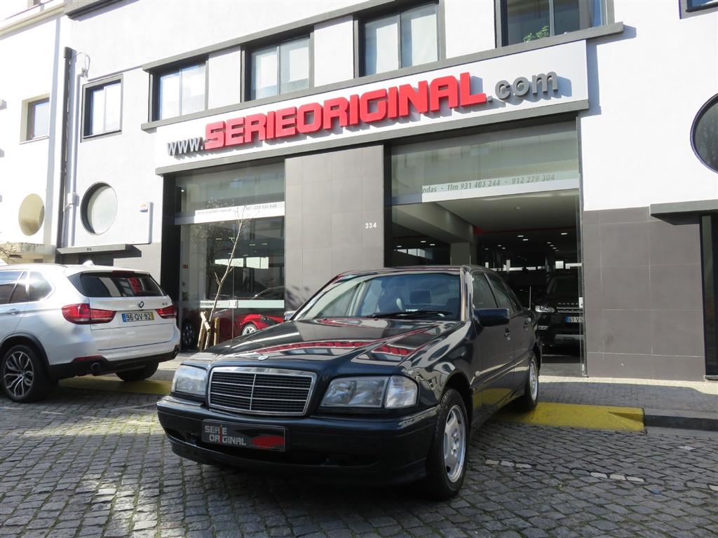 Mercedes-Benz Classe C 200 D Classic (88cv) (4p)