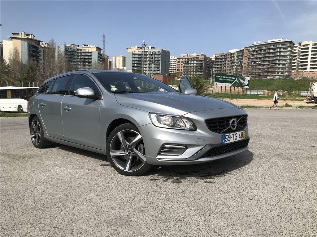 Volvo V D2 R-Design Momentum (115cv) (5p)