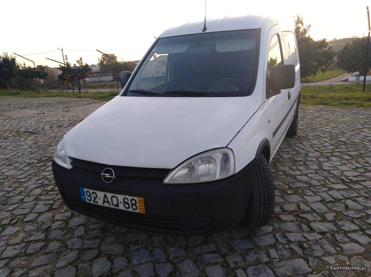 Opel Combo 1.3 CDTI Outubro/05 - à venda - Ligeiros