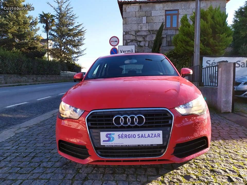 Audi A1 SPORTBACK Ambition Junho/12 - à venda - Ligeiros
